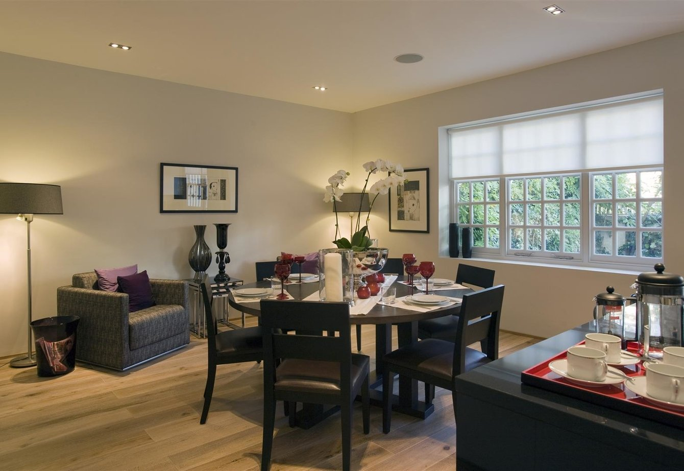 for-sale-elm-tree-close-london-12-view2