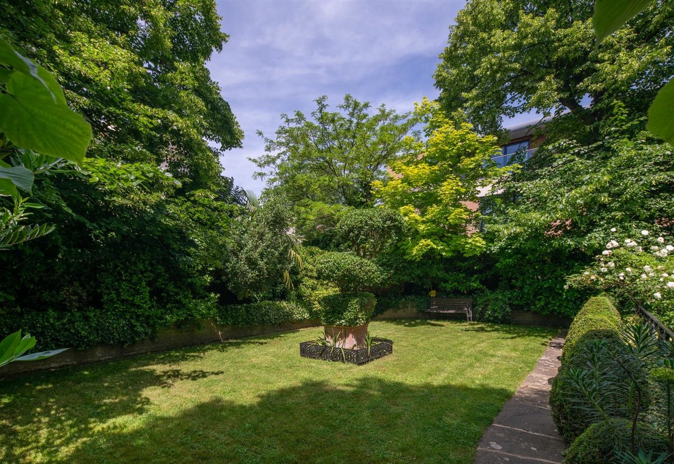 sold-prince-albert-road-london-16-view17