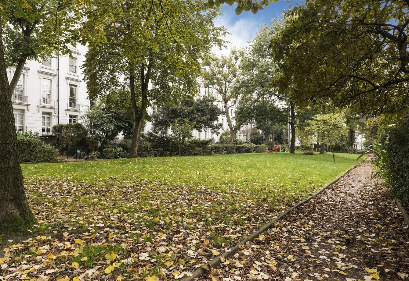 for-sale-bristol-gardens-london-22-view8