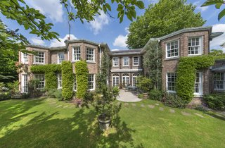 Deal sealed on £10.8m country-style pile in St John's Wood - Ian Green Residential