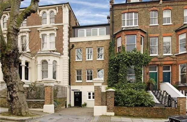 sold-the-coach-house-london-219-view1